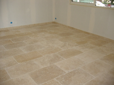 Travertin 40x60 vieilli 1 choix carrelage travertin - Salle de bain travertin ...