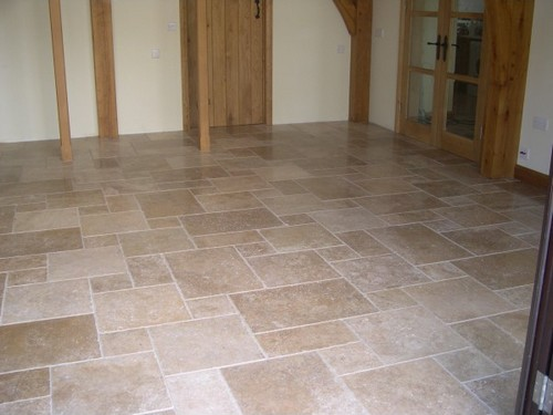 Carrelage travertin 10x10 for Carrelage imitation travertin interieur