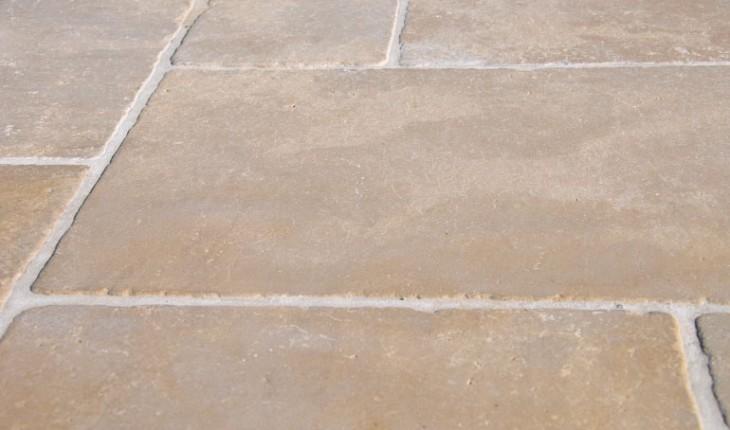 Pierre travertin marbre pierre d 39 inde et d 39 egypte - Carrelage exterieur pas cher ...